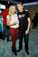 olivia-holt-2015-e3-gaming-convention-at-los-angeles-convention-center-in-los-angeles_8.jpg