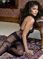 zendaya_stockings.jpg