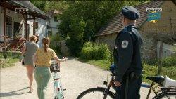 Mikecz Estilla - A mi kis falunk S04E03 06.jpg