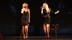 Peller Anna és Janza Kata - Chicago (Mein Herr) 07.jpg