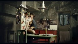 Kiss Diána Magdolna - Hátsó lépcső 12.jpg