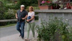 Mikecz Estilla - A mi kis falunk S04E13 07.jpg