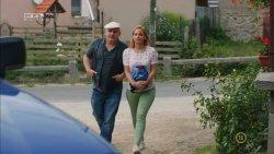 Mikecz Estilla - A mi kis falunk S04E13 10.jpg