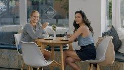 Kávéházi vendégek - Apatigris S01E02 04.jpg