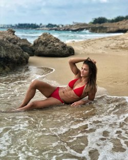 karakas h bikini 01.JPG
