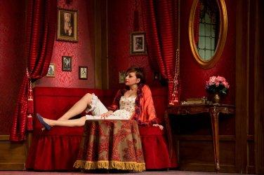 A vörös lámpás ház - Turay Ida színház 04.jpg