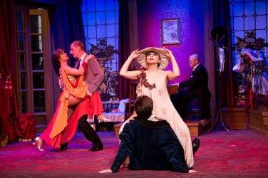 A vörös lámpás ház - Turay Ida színház 06.jpg