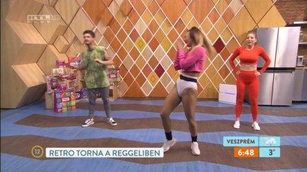 Szabó Zsófia és Győri Barbara - Reggeli 210414 11.jpg