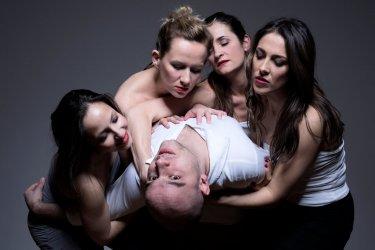 A három nővér - Maladype Színház 05.jpg