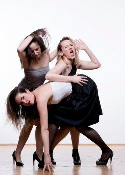 A három nővér - Maladype Színház 09.jpg
